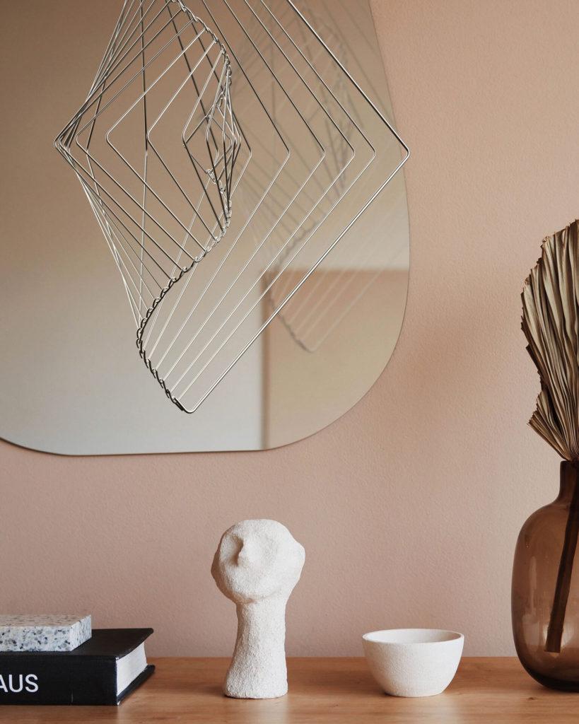 Designed in the UK by the award-winning artist Ivan Black